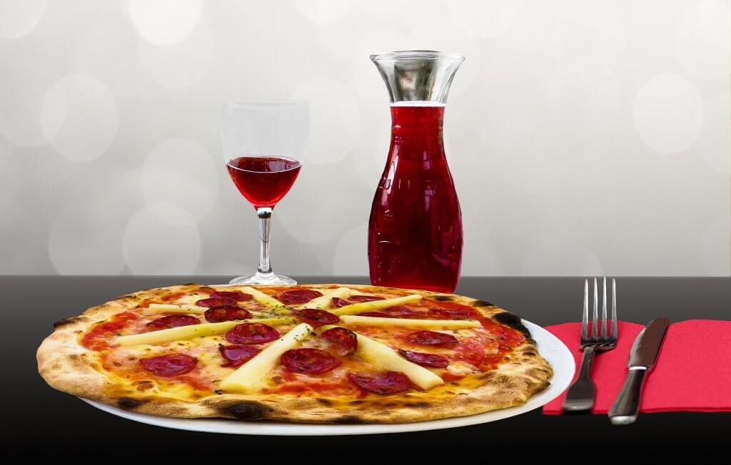 Vino o Cerveza- Pizza con vino