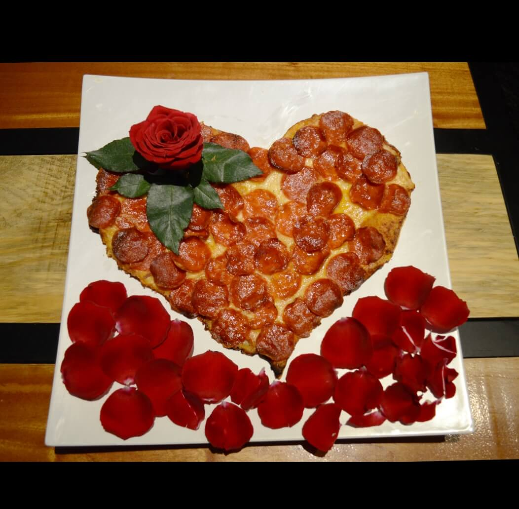 Celebra el día de la madre con pizzas de corazón